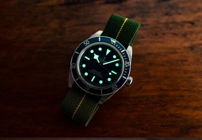 The Replica Tudor Black Bay Fifty-Eight Navy Blue 39mm Dive Watches Introducing